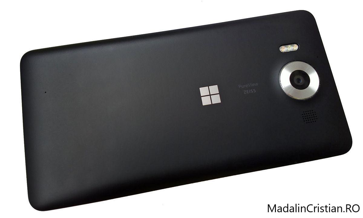 Microsoft testează un nou telefon ce rulează o nouă versiune de Windows 10 Mobile