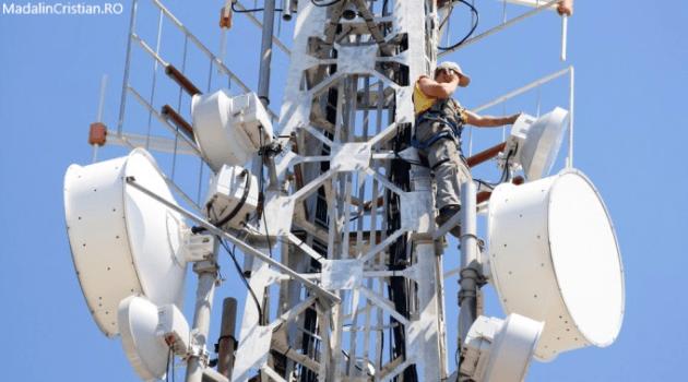 ANCOM emite licențele pentru telefonie și internet mobil în banda 2100 MHz operatorilor Orange și Vodafone