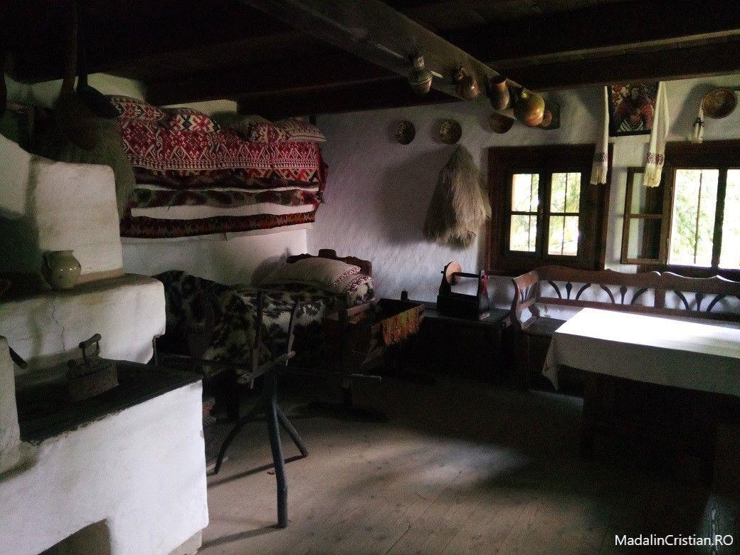 casa muzeul satului maramuresean